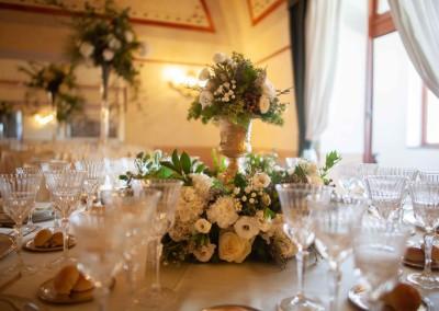 copia-di-img_5966-tavolo-fiori-bicchieri