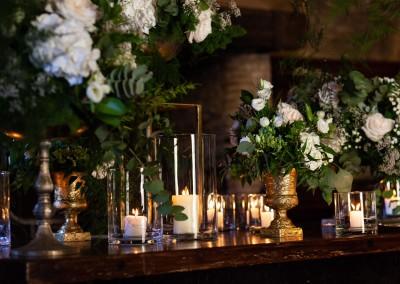 candele-fiori-camino-low